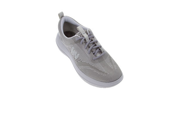 Biel Silver W kybun Biel Silver captivates with its woven design. The longitudinal colouring of the silver accents in various shades gives the model a sleek and daring appearance. The laces add a sporty and youthful accent to this kybun shoe. Thanks to the sporty touch it can be combined almost infinitely. The airy and light materials make the style particularly suitable for the warmer seasons of spring and summer. Biel Silver is also available in the colour Biel Purple. Item no.: AW150A Available sizes: EUR 36 1/3 – 43 / US 6.5 – 11.5 / UK 3.5 – 8.5 Upper: Synthetik and mesh Lining: Mesh and microfibre Insole: Mesh with antibacterial treatment Sole: PU, Strato
